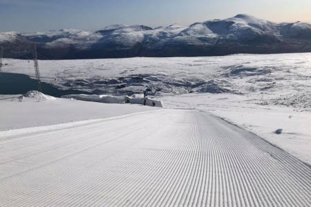 ÅPNER IGJEN: Allerede i helga åpner Galdhøpiggen Sommerskisenter. Foto: Galdhøpiggen Sommerskisenter