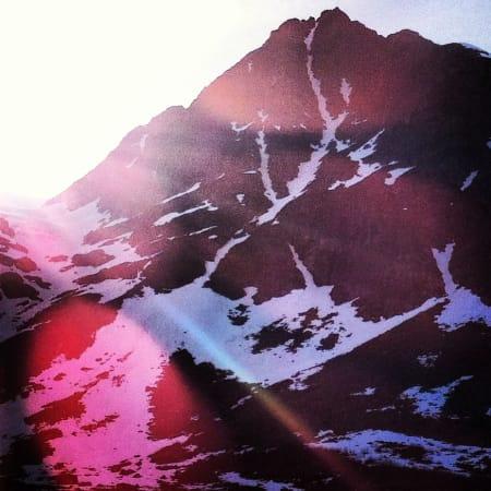 Vi måtte av med skiene to steder i renna. Ellers fin slusj