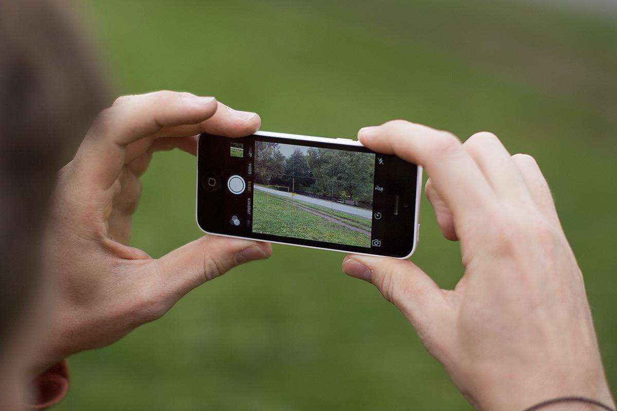 BEDRE BILDER: Følg Sandbechs tips til bedre selfies på Instagram. Illustrasjonsfoto: Anders Holtet