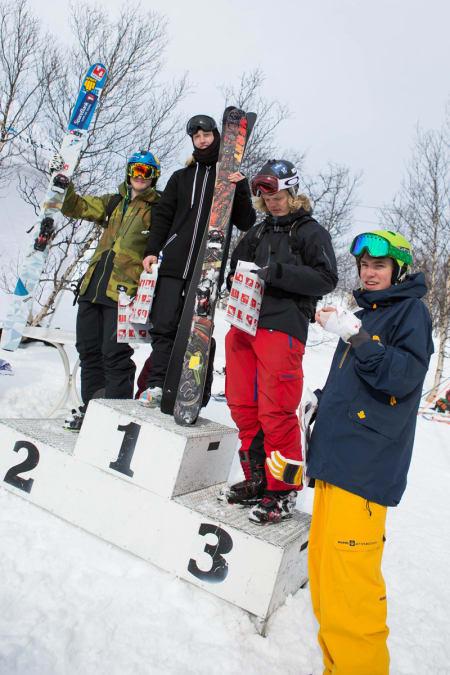 Pallen, Gutter 17-18. Fra venstre: Omund Sletten (2. plass), Stinius Hoseth Skjøtskift (1. plass), André Solbakken (3. plass) og Sebastian Drøyer, som fikk seg en trøkk i hånda.