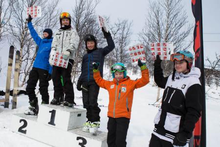 Gutter 15-16, med Fredrik Møller fra Oppdal på førsteplass, Tormod Weydahl fra Vågå på andre, og Jørgen Dahle Bakken på 3. plass. Til høyre Halvor H. Gunleiksrud og Kjetil Godtland.