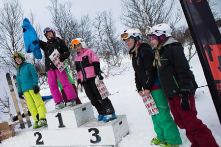 Pallen, Jenter 13-14, med Telma Gjerde på topp.