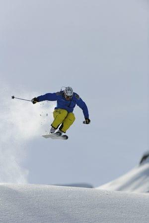 Aksel Lund Svindal er ikke redd for litt luft under skiene. Bilde: Endre Løvaas