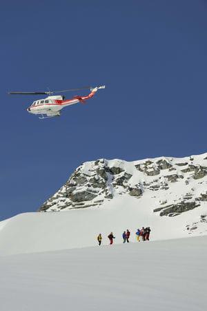 Hos CMH Adamants går det unna, med store grupper og en Bel 212 som busser deg rundt i fjellene. Bilde: Endre Løvaas