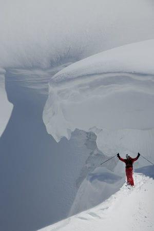 British Columbia byr på voldsomme snømengder, og Eirik Finseth liker seg godt. Bilde: Endre Løvaas