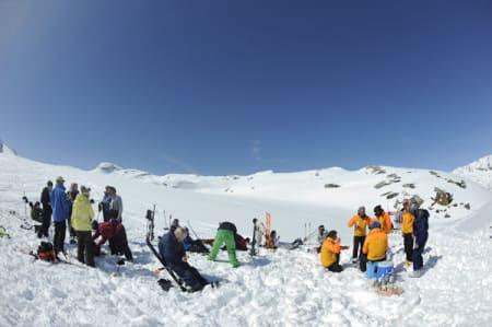 Hos CMH Adamants flyr de lunsjen inn på fjellet, og alle samles til skrøning og sosialt samvær. Bilde: Endre Løvaas