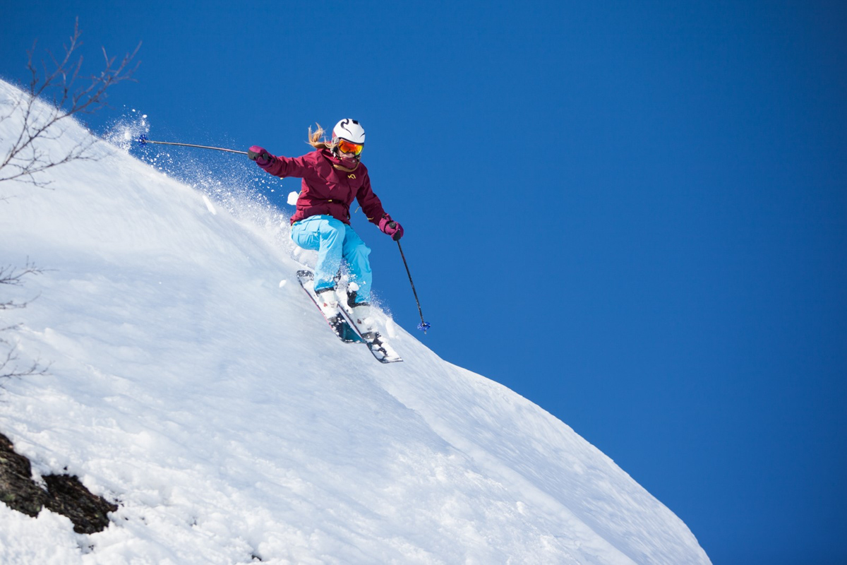 RÅ: Det er på ski at Gunvor anser seg selv som å være litt råere enn vanlig - noe som også har resultert i flere seiere i frikjøringscupen her til lands. Foto: Per Finne