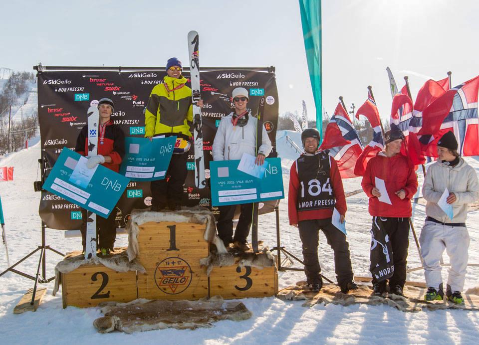 VETERANER: Øystein Bråten ble norgesmester i slopestyle foran Mikkel Brusletto Kaupang og Christian Nummedal. 33 år gamle Andreas Håtveit (nummer fire fra venstre) vant kvaliken, men endte på 4. plass. Foto: Nor Freeski