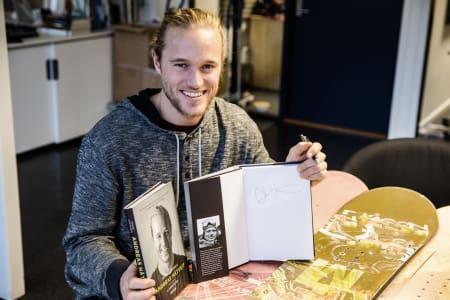 PÅ SIGNERINGSFERD: Andreas Håtveit signerer den splitter nye biografien Triksehopperen i Oslo fredag og Hemsedal lørdag. Foto: Christian Nerdrum
