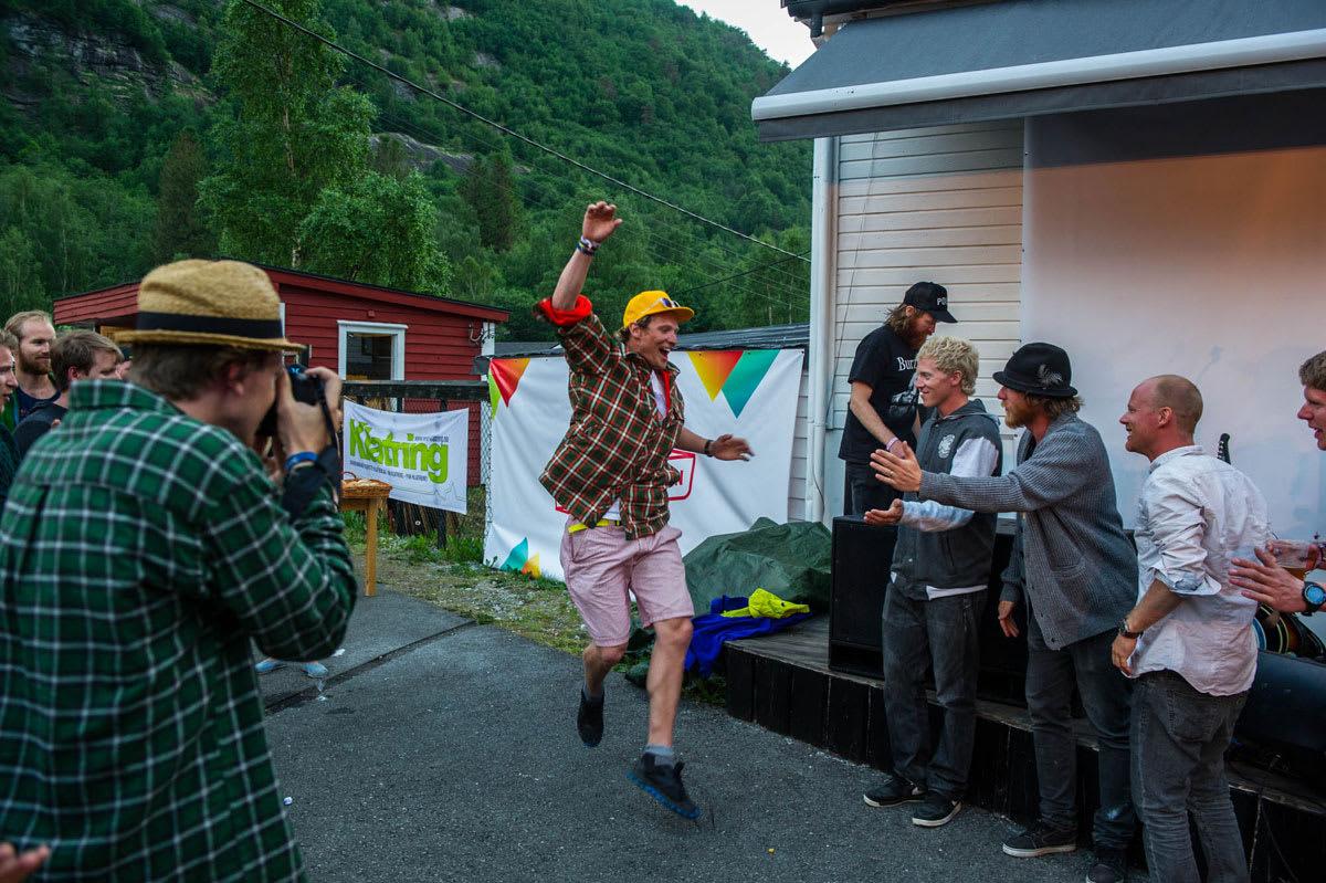 VINNER: Asbjørn Eggebø Næss kosta på seg en meget bredt smil da han klatra til topps på seierspallen. Foto: Olav Standal Tangen