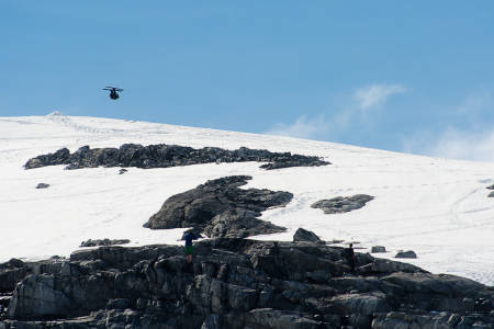 Åsmund Thorsen starta med en sideflip. Foto: Vegard Breie