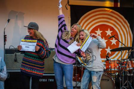 Fra venstre: Ragni Odeen (3. plass), Tone Jersin Ansnes (nr. 2) og damevinner Linn Cecilie-Mæhlum. Foto: Olav Standal Tangen