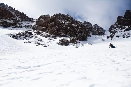 Skarpe steiner og vind som frakter snø inn i renneformasjoner, og der lå puddersnøen!