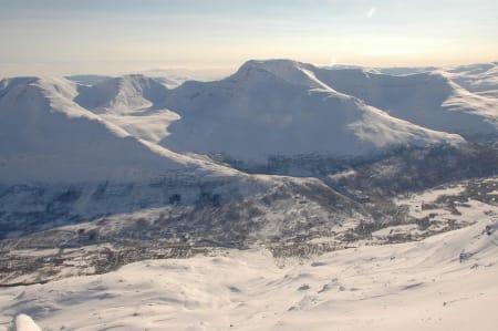 Begynner å grave etter de skredtatte i Troms