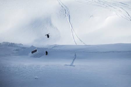 Sverre Liliequist sitt herlige forsøk på dobbel frontflip. Foto: Dominic Daher