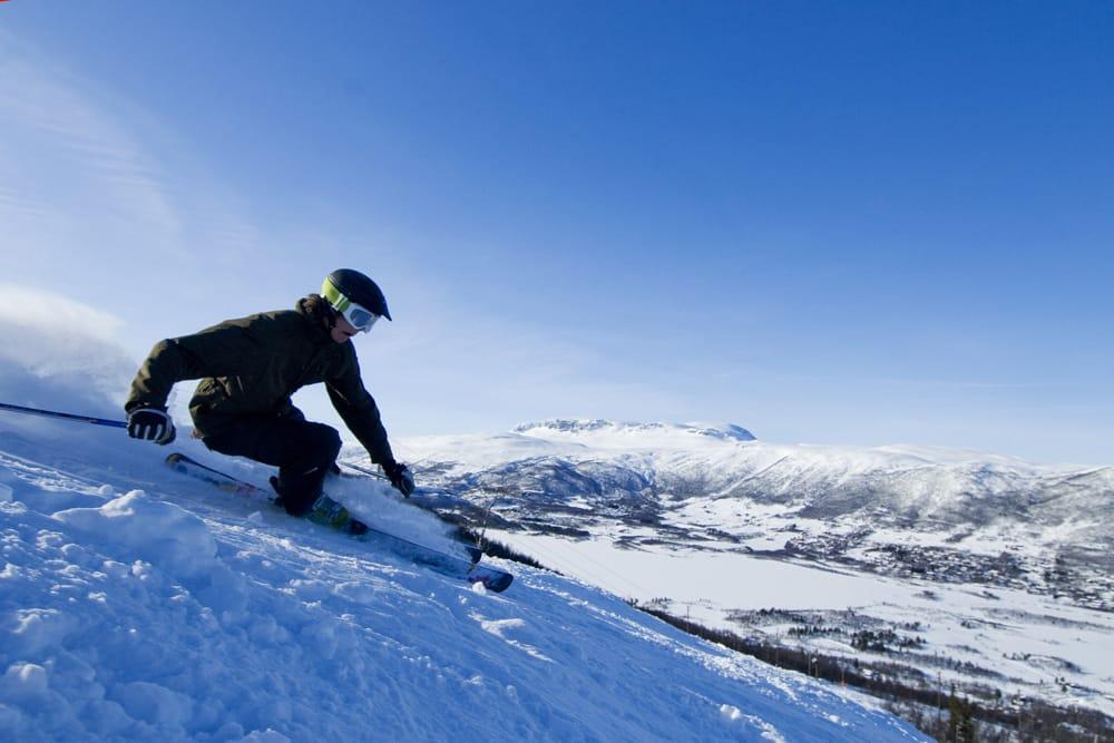 GEILO NÅ: Vinteren har kommet til Geilo, og planlagt seosngstart er 1. november. Foto: Terje Bjørnsen