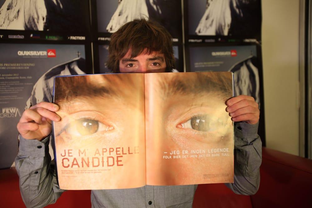 FRI FLYT-FAN: Candide Thovex ba pent om å få beholde to utgaver av Fri Flyt. Det fikk han, inkludert høstens Fotonummer, med seg selv portrettert. Foto: Tore Meirik