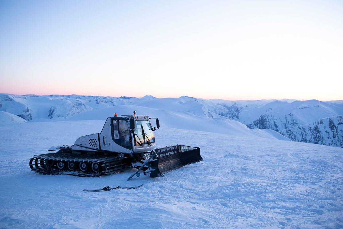 STARTER NÅ: Fredag og lørdag blir det catskiing på Stryn sommerskisenter – samtidig som Strynefestivalen braker løs! Foto: Anki Grøthe