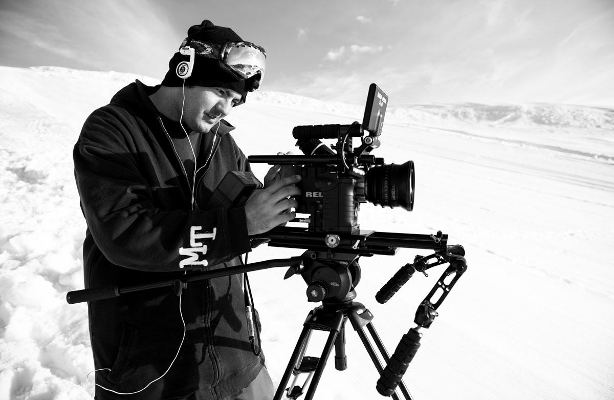 FERDIG MED SKIFILM: Eivind Aurstad og Chaoz Productions takker for seg. Head Straight ble Eivinds siste film. Foto: Sverre Hjørnevik
