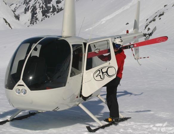 Bettina og mannskapet har igjen levert et supert arrangement. Her med det nye firmahelikopteret som tok et jafs av prispengepotten.