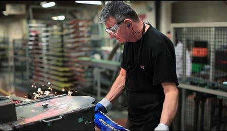 FRA ØST TIL VEST: Rossignol og Dynastar flyttet produksjonen fra Asia tilbake til den franske fabrikken i Sallanches. Bilde: Christian Nerdrum