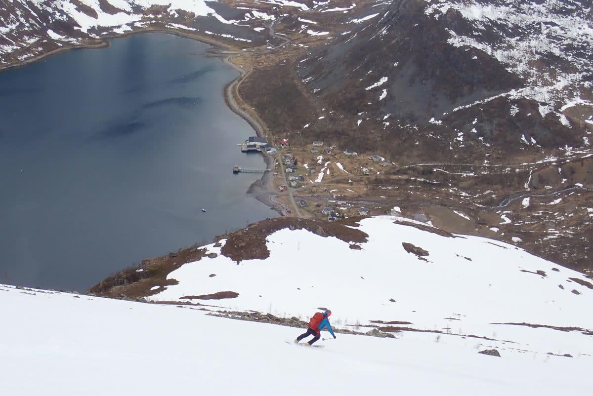 HYLLER DE SMÅ STEDENE: Som Reinfjord i Troms med sitt enorme toppturpotensiale, sine trusler om fraflytting, og ikke minst; den lokale ildsjelen Oddmund. Foto: Espen Nordahl