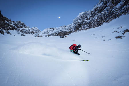 STORE VENGETIND: Les om fantastiske vinterturer på Romsdalshorn og Romsdalens høyeste fjell: Store Vengetind. Foto: Sindre Kolbjørnsgard