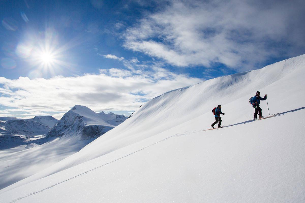 DRØMMESTART: Søringene får en super start på påska med fint vær i fjellet og moderat skredfare. Lenger nord i landet blir forholdene mer krevende. Arkivfoto: Tore Meirik