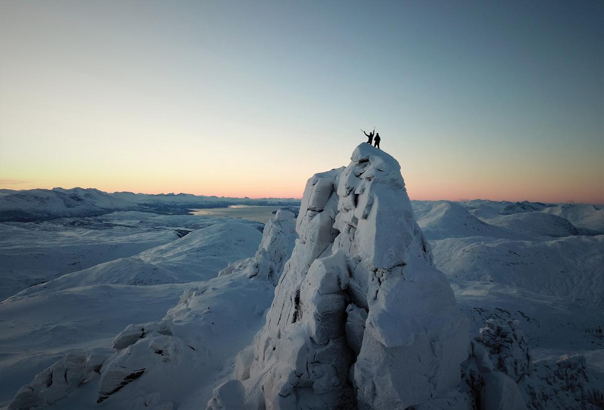 RIVTIND: En alpin topp med flott skikjøring – ikke ulikt fjellene i mer kjente Chamonix. Foto: Signar André Nilsen