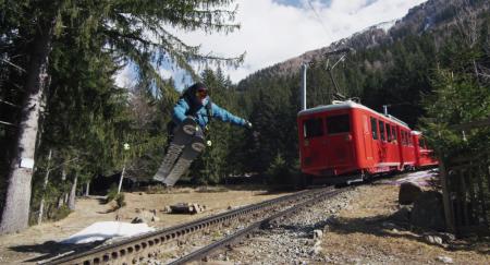 VÅRTUR: Sam Favret utnytter sesongslutten til en egen vri på Vallée Blanche.
