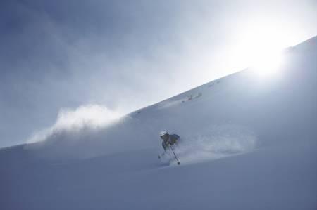 UNNA VEI: Selv om frikjøringsskiene fikk mye løypetrening fikk de også pløyd perfekt snø. Totalt talte Henning S. Skjetne tre snøfall på sine 8 uker i Frankrike.