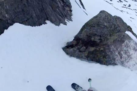 FØRSTEMANN: Albin er trolig førstemann ned denne linja på Stryn. Foto: Skjermdump