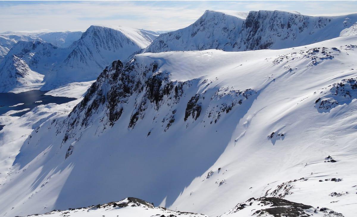 GREI LOCATION: I disse fjellene skal fotokonkurransen gå av stabelen – og du kan bli femte og siste deltager!