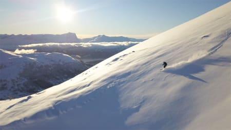 TIDENES BESTE?: Det er masse snø og utrolig gode forhold i Harpefossen skisenter. Foto: Martin Leite Gilleshammer
