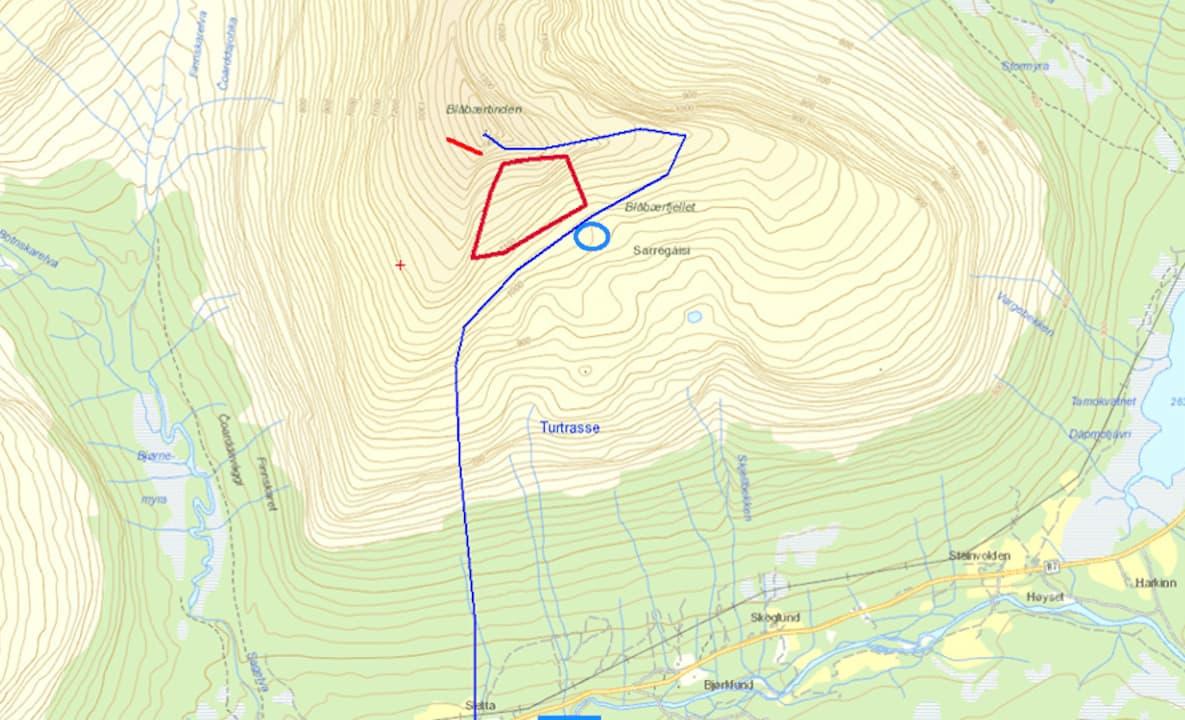 FORTSATT BEGRAVET: De fire omkomne ligger fortsatt i skredet på Blåbærtinden i Tamok, men signal fra  alle fire sender/ mottakerne er mottatt.