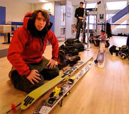 MOTIVERT: Finseth er ferdig med huset. Nå er han klar for å kjøre mye på ski. Foto: Endre Løvaas.