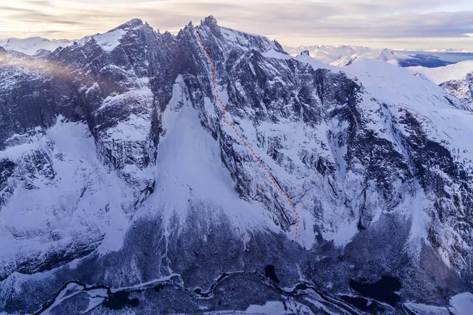 LINJA: Fiva-ruta går til høyre for selve Trollveggen. Her er linja til Jornet. Foto: Fra Jornets facebook