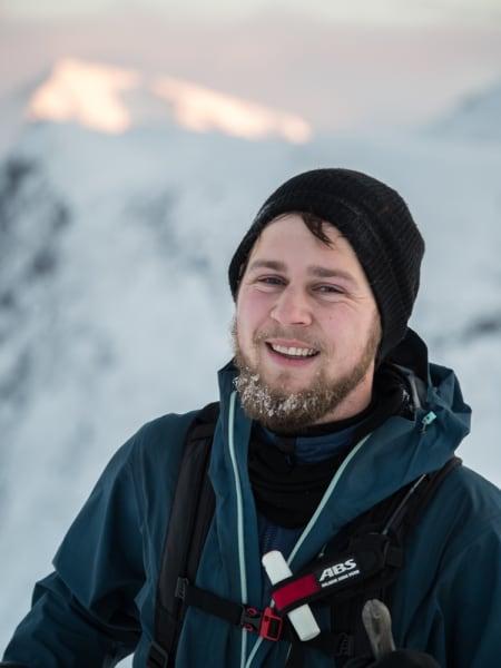 Laurids Bartling nyter utsikten på tur opp.