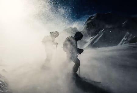DYSTER TONE: Den nye filmen til Sweet er rett og slett veldig annerledes, og bør sees av dere som synes alle skifilmer er like. Foto: Johan Wildhagen