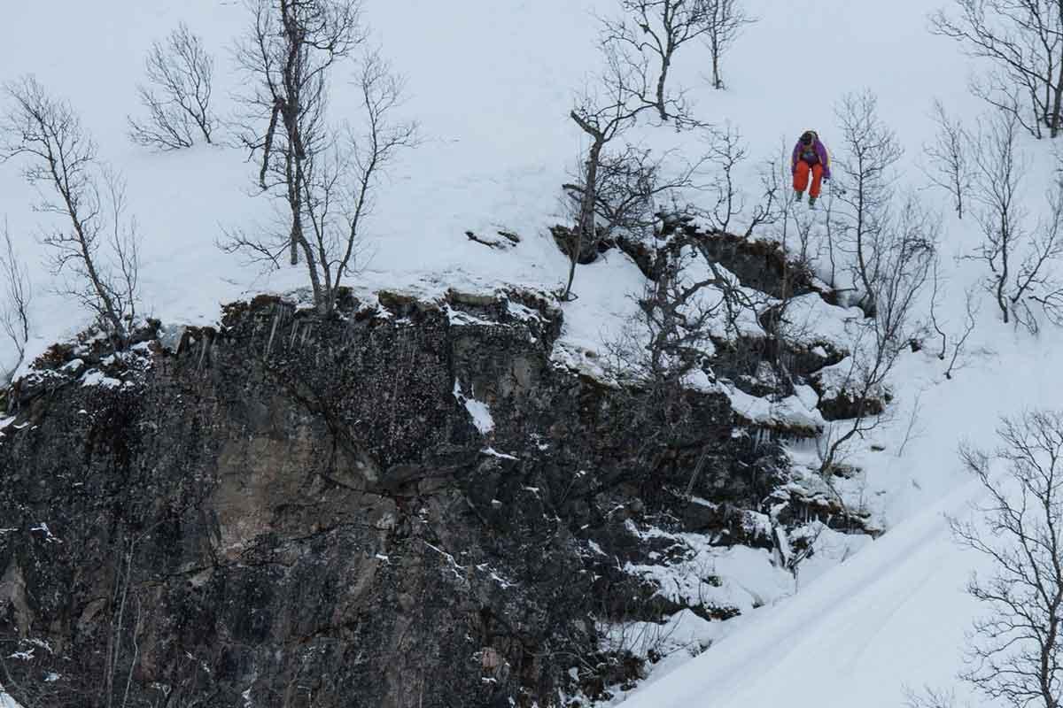 DAGENS BESTEMANN: Dennis Risvoll har stø kurs mot Freeride World Tour etter dagens seier i Sogndal. Foto: Bård Basberg