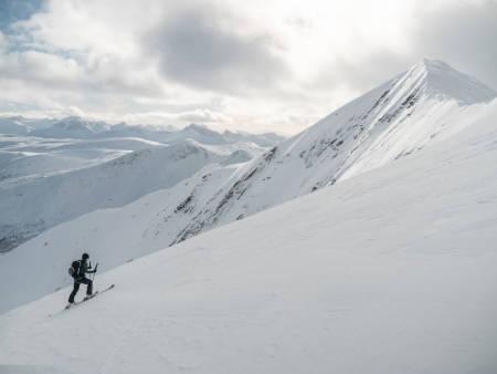 FINT: Konkurransen går i flotte omgivelser i Nordland. Foto: Timme Ellingjord