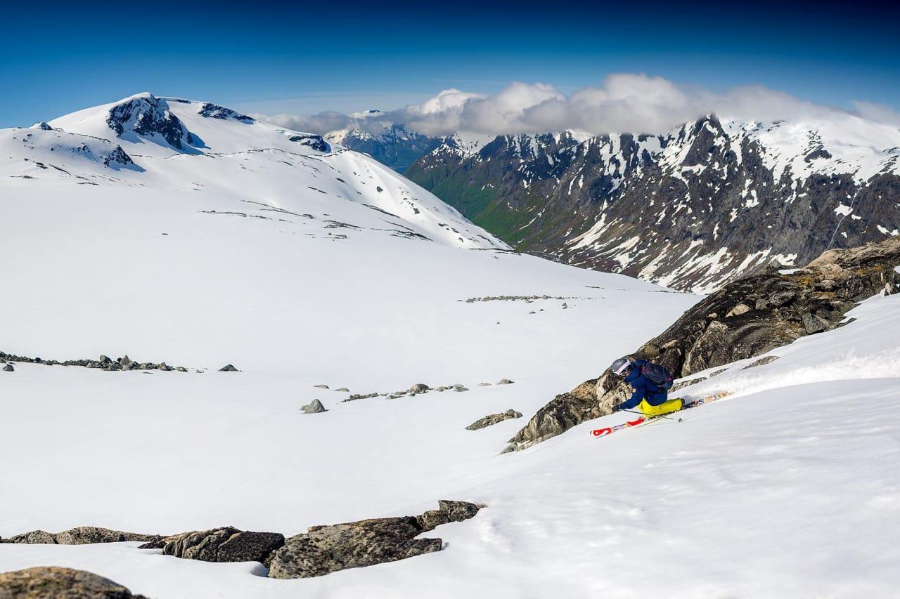 FANTASTISKE SNØFORHOLD: Store snømengder og en kald vår gjorde at Stryn sommerski fikk voldsomt gode snøforhold i sommer –noe som også gagner publikum i 2016. Foto: Emil Eriksson