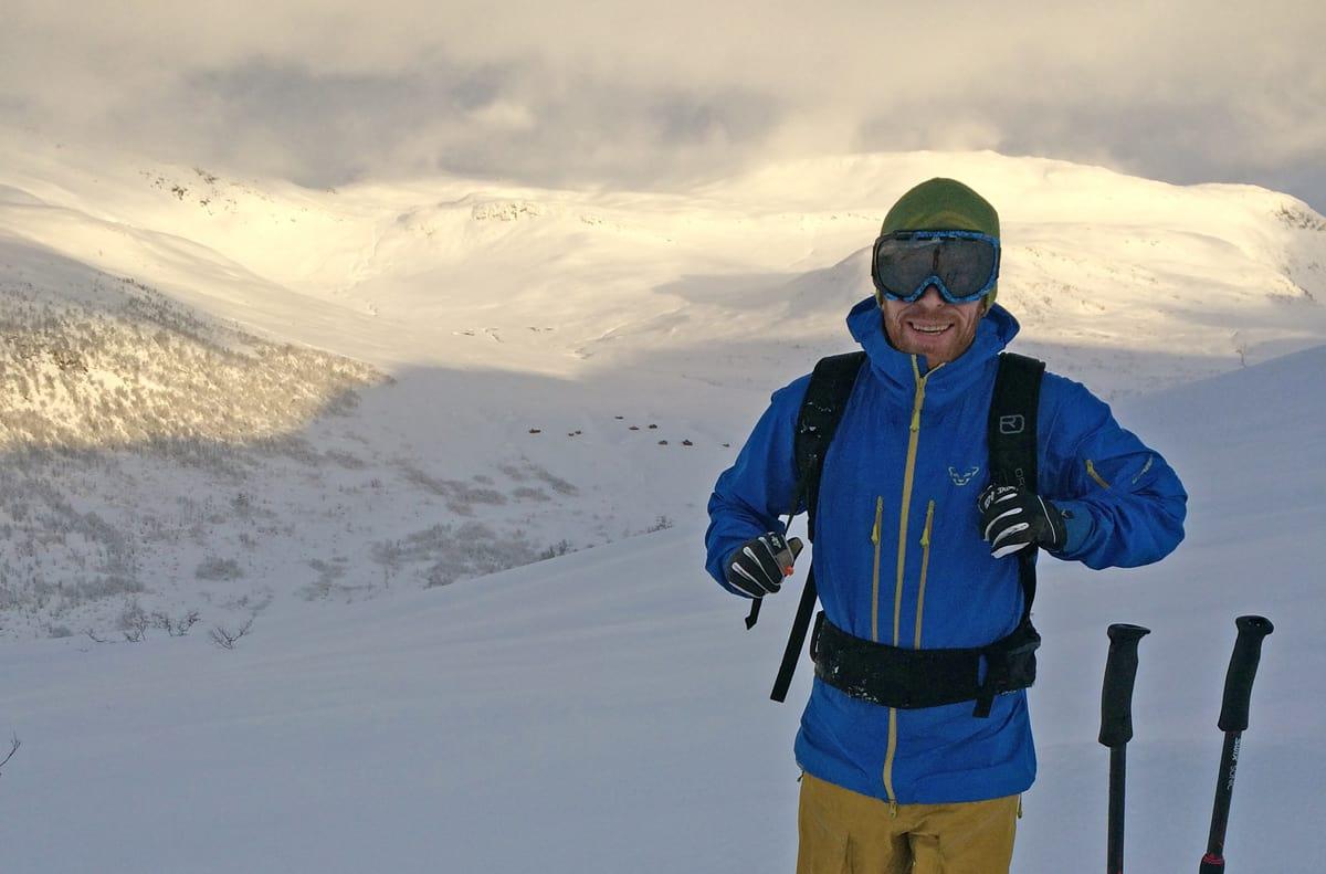 SKRIVER OM SKRED: Thor Espen Fugelsøy skriver masteroppgave om skredvarslingen på varsom.no. Foto: Privat