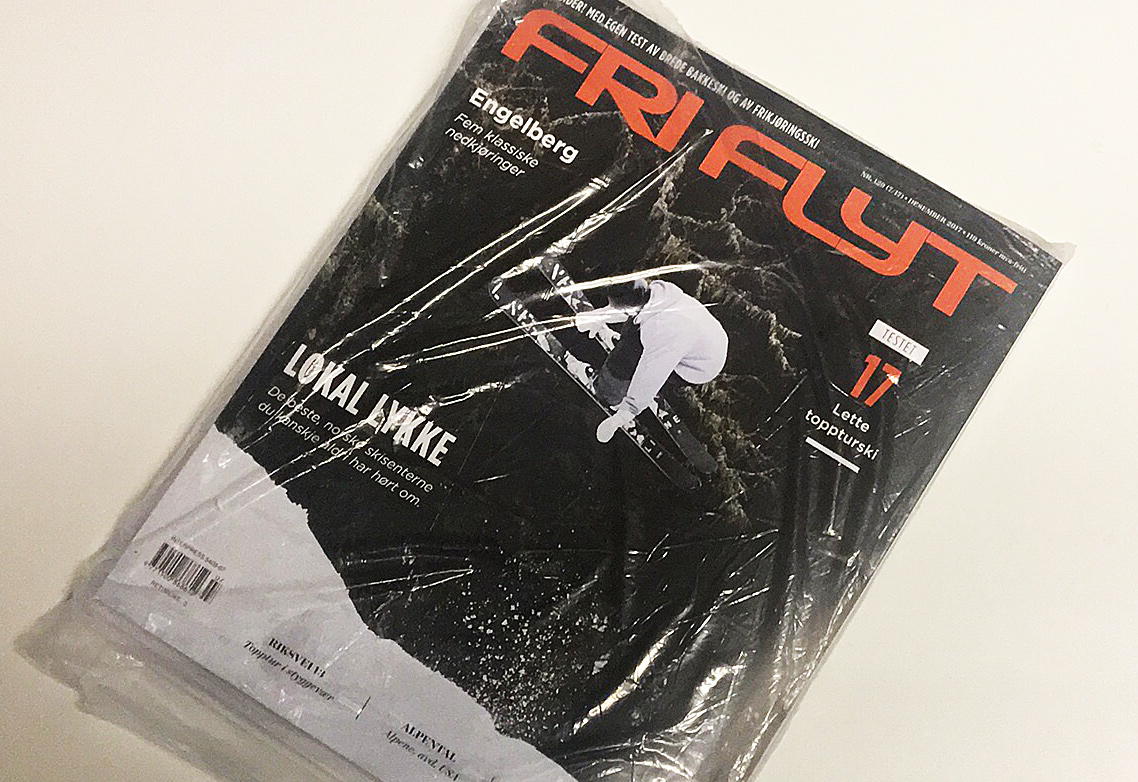 NEDBRYTBAR: Neste gang du kjøper Fri Flyt kan du være trygg på at plasten magasinet er pakket inn i, er både nedbrytbar og Co2-nøytral. Foto: Kristoffer Kippernes