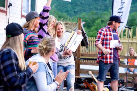 Flere fine pall-damer. Foto: Bård Basberg