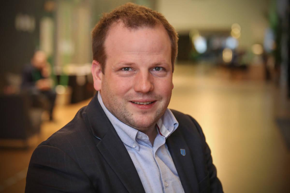 ORDFØRER: Asbjørn Birkeland (Sp) får fortsette som ordfører i Sauda. Foto: Senterpartiet