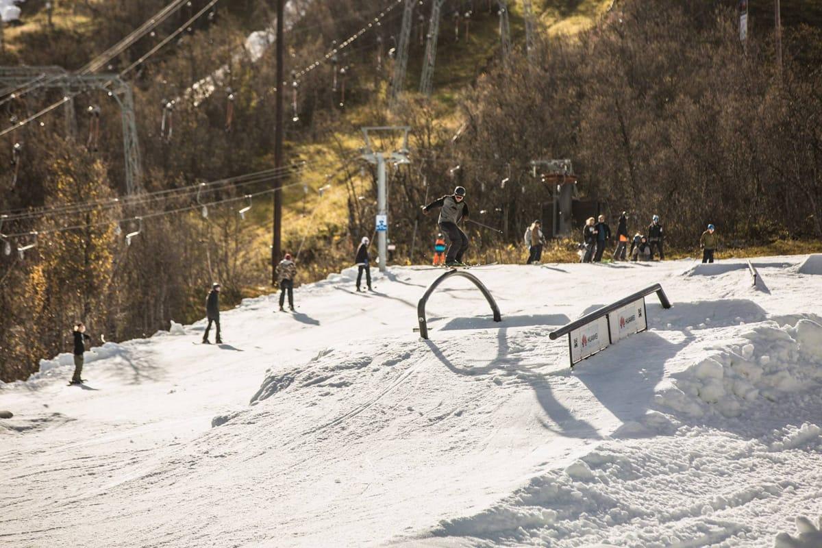 SESONGSTART: To norske skisentre åpner terrengparktilbud på snø denne helgen, blant annet på Geilo, hvor parken baseres på fjorårets versjon, som så slik ut. Foto: Geilo Holiday.
