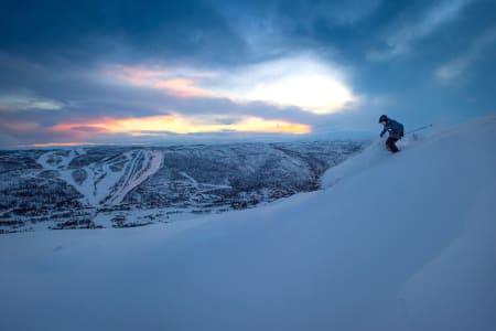 EN AV FEM: Geilo (i bakgrunnen) er ett av de fem norske skianleggene som er nominert i World Ski Awards. Foto: Emil Eriksson