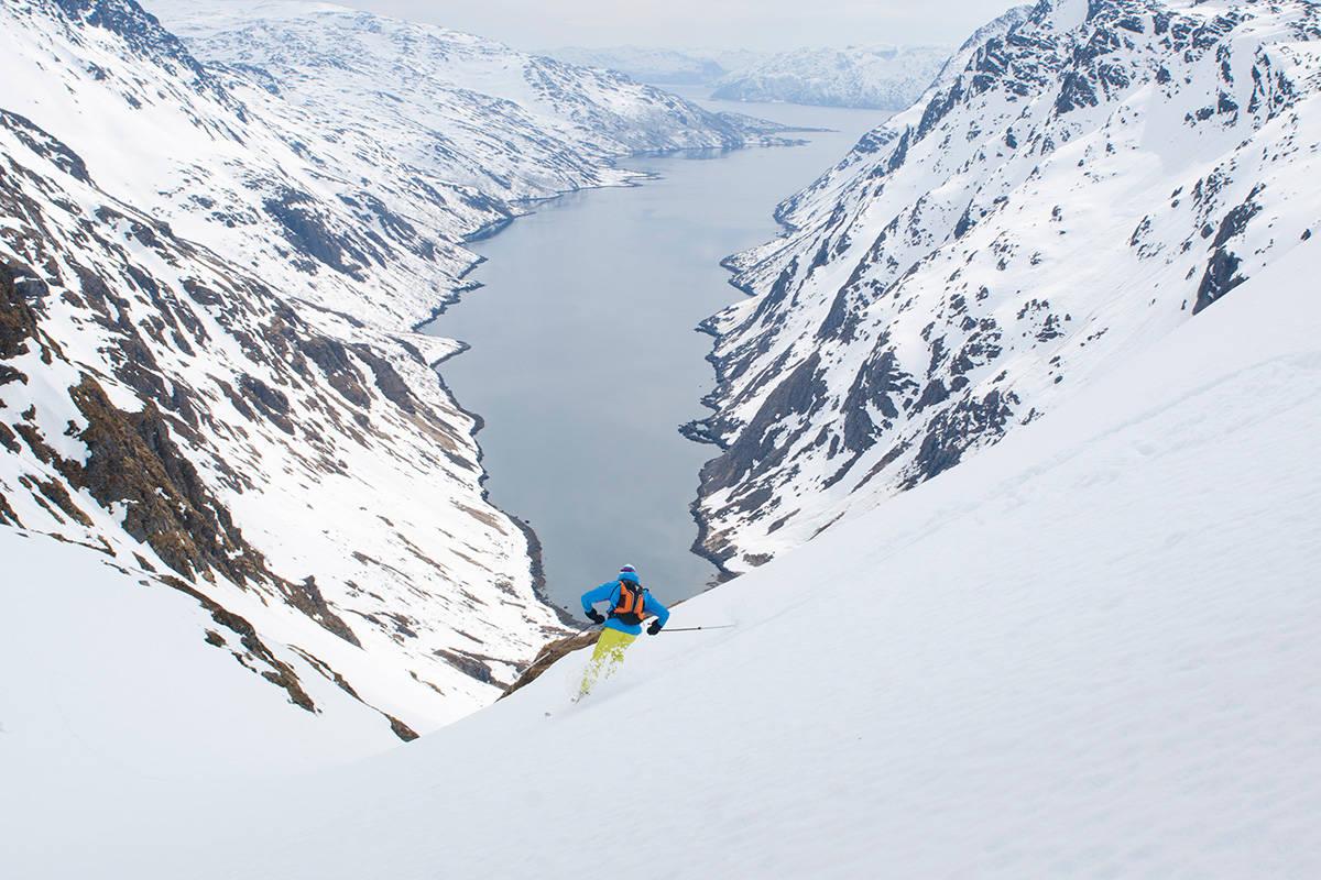 FINEST: Seiland i Finnmark ba den mest spektakulære opplevelsen, ifølge Gjermund Nordskar - som her tester skiføret. Foto: Wenzel Prokosc