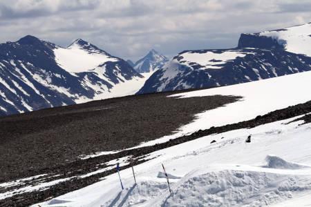 JOTUNHEIMEN: Utsikten fra Galdhøpiggen sommerskisenter er imponerende.